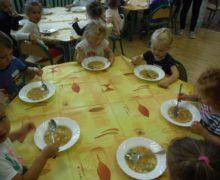 Biedronki podczas posiłku